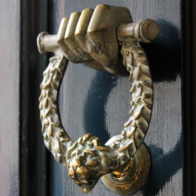 detail_knocker